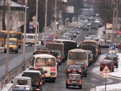 В Архангельске занялись поиском решения проблемы дорожных пробок